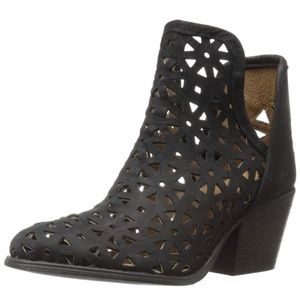 MUSSE & CLOUD Athena Black Laser Cut Booties 7